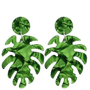 Jewelry - Green monstera earrings